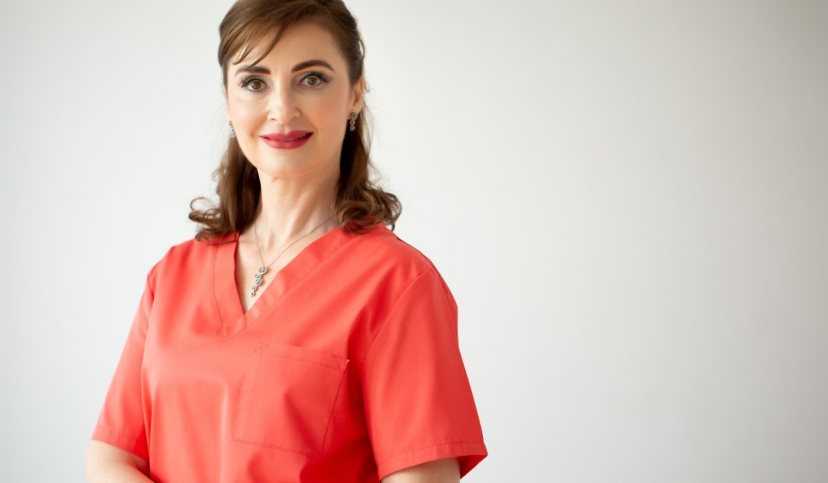 dr. Manuela Ravescu – CRYOTOUCH. SISTEM PENTRU LIFTING, RECONTURARE FACIALA SI MEZOTERAPIE VIRTUALA