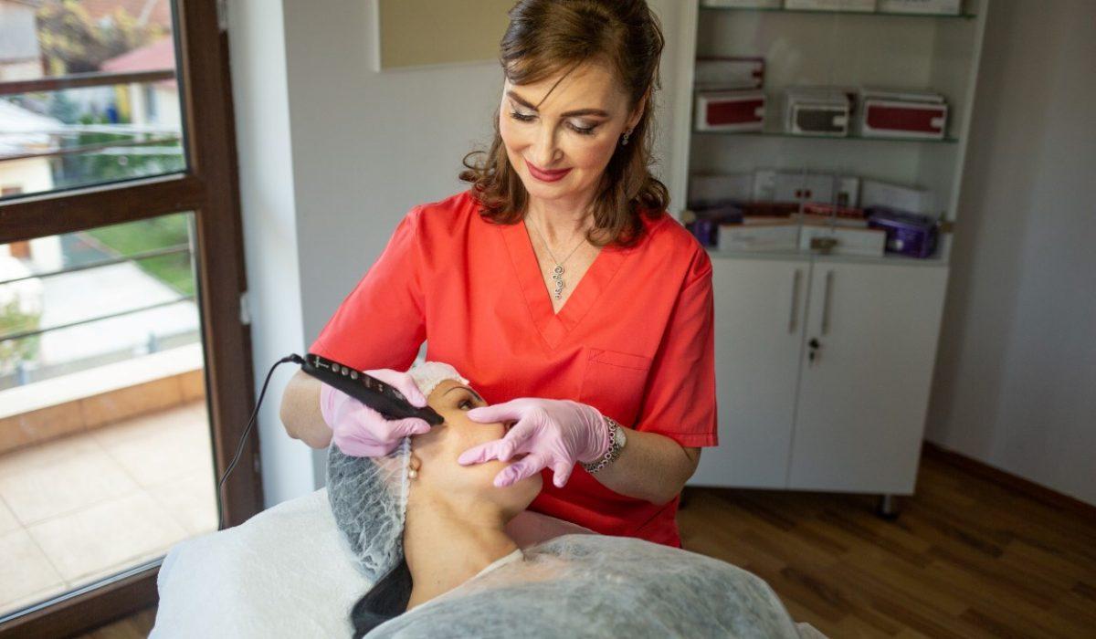 Dr. Manuela Ravescu – Plasma Pen | A patra stare de agregare a materiei vine in sprijinul esteticii