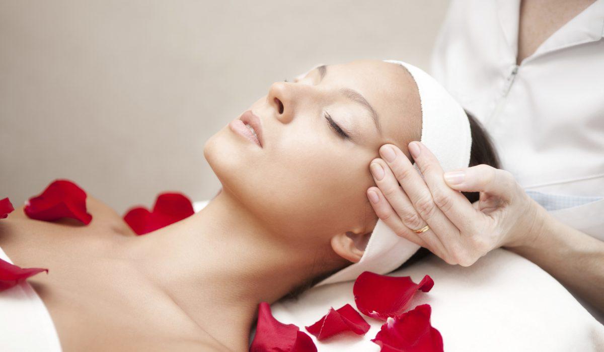 De ce este necesar un tratament cosmetic profesional lunar