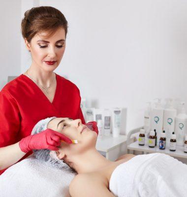 Peelingul Chimic in Dermato-Cosmetica