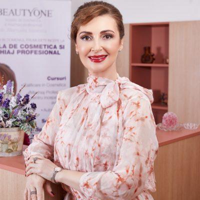 Cu ce difera cursurile Scolii de Cosmetica si Machiaj Beauty One?