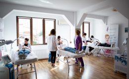 Igiena in cosmetica: ce inveti la cursul de calificare si ce nu ai voie sa faci